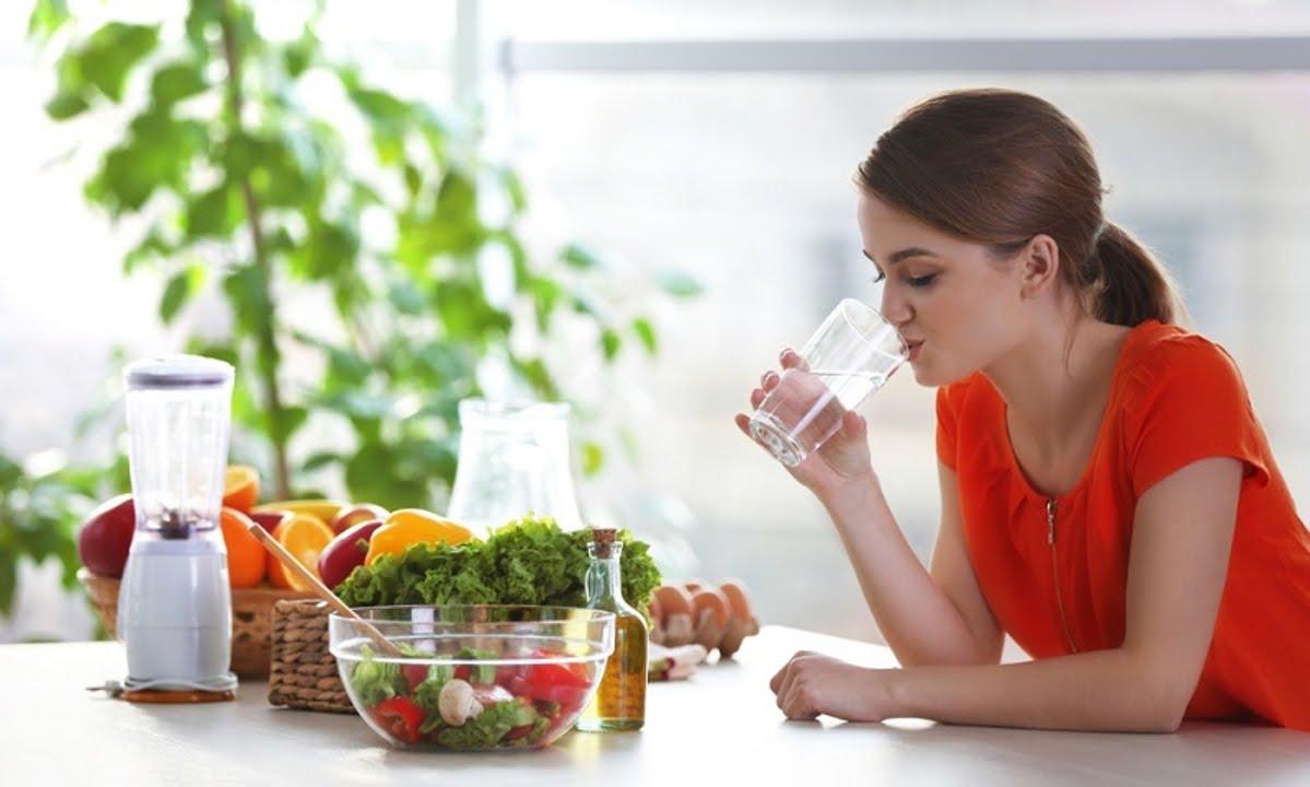 makanan berserat dan air putih