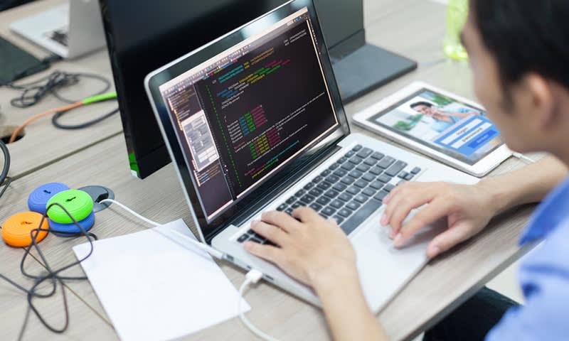 Web Programmer Gaji Besar